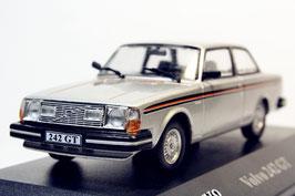 Volvo 242 GT 1977-1978 silber met. /  Decor