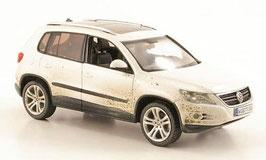 VW Tiguan I Phase I 2008-2011 weiss mit Schmutzpartikel