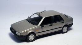Fiat Croma Phase I 1985-1991 grau met.