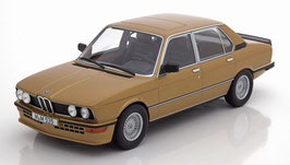 BMW M535i E12 1980-1981 gold met.