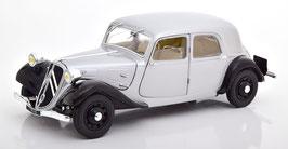 Citroën Traction Avant 11CV 1937 silber / schwarz