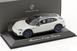 Porsche Mission E Cross Turismo Concept Car Auto Salon 2018 kreide / Felgen blau