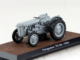 Massey Ferguson T20 Traktor 1953 grau