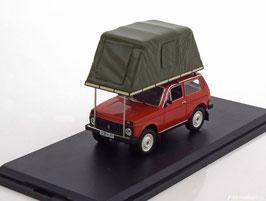 Lada Niva Phase I 1976-1994 rot mit Dachzelt oliv