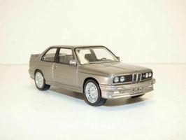 BMW M3 E30 1986-1991 silber met.