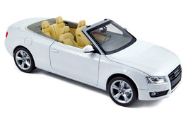 Audi A5 8F Cabriolet Phase I 2009-2011 weiss / Verdeck dunkelrot