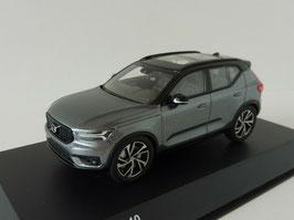 Volvo XC40 seit 2018 osmium grau met. / schwarz