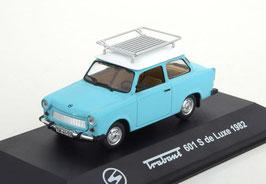 Trabant 601 S De Luxe 1982 mit Dachgepäckträger blau / weiss