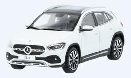 Mercedes-Benz GLA H247 seit 2020 weiss / schwarz