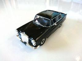 Mercedes-Benz W110 1961-1968 schwarz