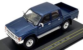 Toyota Hilux SR5 Pick Up Phase I 1997-2002 dunkelblau met. / chrom