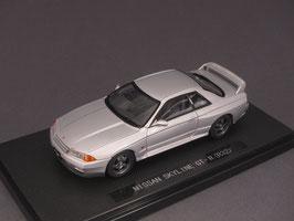 Nissan Skyline GT-R R32 1989-1993 silber met.