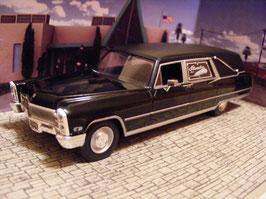 Cadillac Hearse 1966 schwarz James Bond  007 Edition