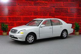 Lexus LS 430 UCF30 2000-2006 weiss met.