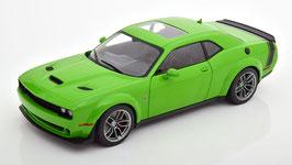 Dodge Challenger R/T Scat Pack 2020 hellgrün / schwarz