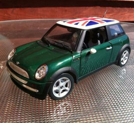 Mini Cooper I Phase I 2001-2006 dunkel grün met. / Dach weiss with Union Jack Flag