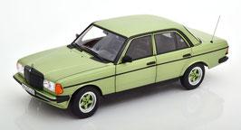 Mercedes-Benz 200 AMG W123 1984 hellgrün met.