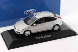Ford Focus II Phase I 2004-2007 silber met.