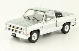 Chevrolet C-10 Silverado Pick Up 1982-1988 silber met.