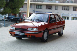 Renault 21 GTS Fliessheck 1989-1993 rot