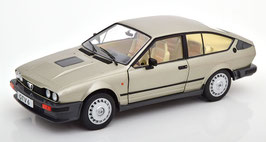 Alfa Romeo GTV6 Phase II 1983-1986 beige met. / schwarz