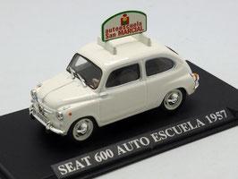 Seat 600 Fahrschule San Marcial 1957 weiss