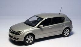 Vauxhall / Opel Astra H 2004-2009 silber met.
