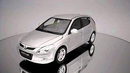 Hyundai i30 I FD Phase I 2007-2010 silber met.