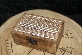 Doosje  Slavisch  15 x 10 x 6 cm Mango wood