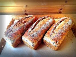玄米食パン 飛騨えごま