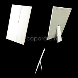 E95 Tabla con Paral y Ganchos para Collares