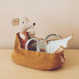 Maileg Baby Maus in Trage