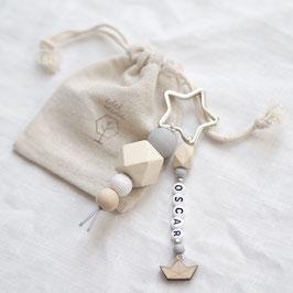 Schlüsselanhänger mit Wunschnamen grau-silber