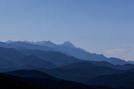 Bergshilouetten blau - sw - Korsika 3