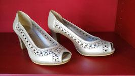 Zapato Salon Calado Platino. Nueva Temporada