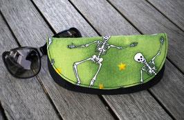 Brillenetui Bone