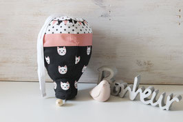 Boîte à musique montgolfière chat blanc sur fond noir
