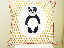 Housse de coussin chambre bébé 40 x 40 cm blanc, bleu, rouge et moutarde motif panda