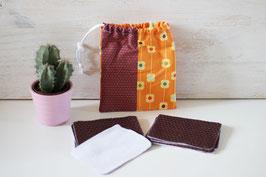 Lot de 10 lingettes démaquillantes lavables et leur pochon motif fleurs orange et marron