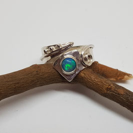 Ring mit Opal 2