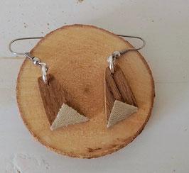 Boucles d'oreilles en bois : trapèzes noyer /simili doré