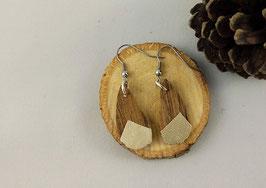 Boucles d'oreilles en bois : gouttes noyer/simili doré