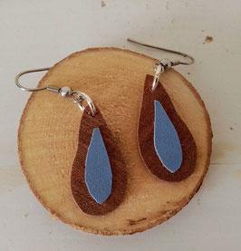 Boucles d'oreilles en bois : gouttes makoré/simili bleu