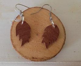Boucles d'oreilles en bois : les feuilles en makoré