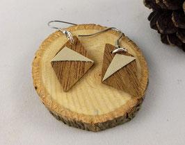 Boucles d'oreilles en bois: losanges noyer/simili doré
