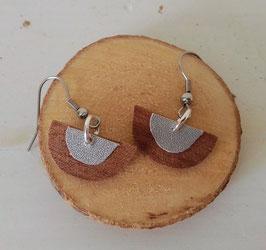 Boucles d'oreilles en bois : demi-sphères makoré/simili argent
