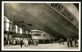 Luftschiff Graf Zeppelin startbereit in der Werft