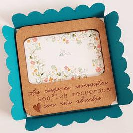 marco con imán MODELO FLORES para la nevera con frase Los mejores momentos son los recuerdos con mis abuel@s