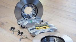 Satz innenbelüftete 4 Kolben-Scheibenbremse  mit Aluminiumbremssätteln /  Set vented disc brake with four caliper housing