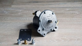 Benzinfilter und Druckregler / Fuel filter and pressure regulator